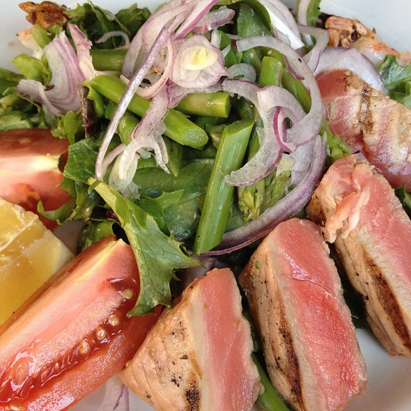 Seared Ahi Tuna & Tiger Shrimp Salad - Seco, Pasadena, CA