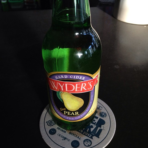 Wyders Pear Cider @ Beta Louge
