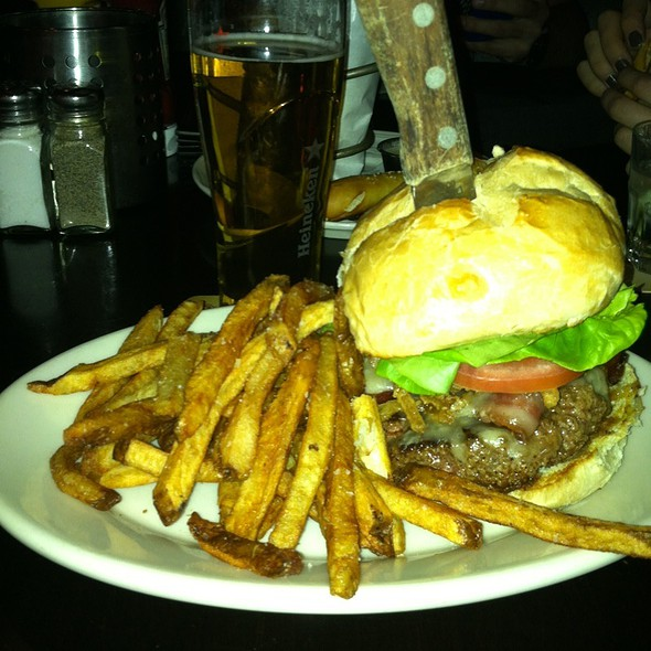 Tap House Burger @ The Lyndale Tap House