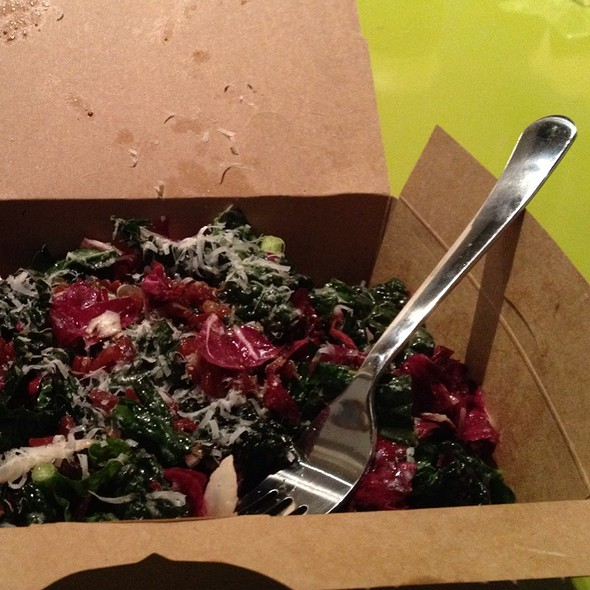 raw kale salad @ Darwin Cafe