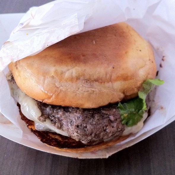 Cheeseburger @ FiveTen Burger