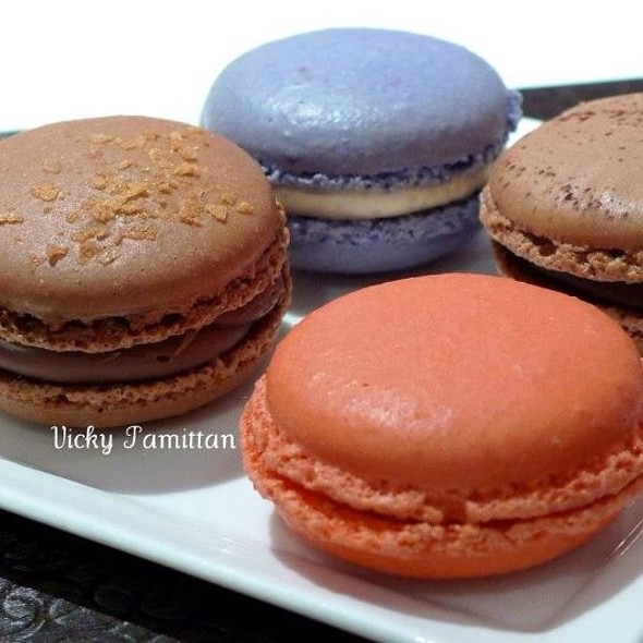 Macarons @ Canele Patisserie