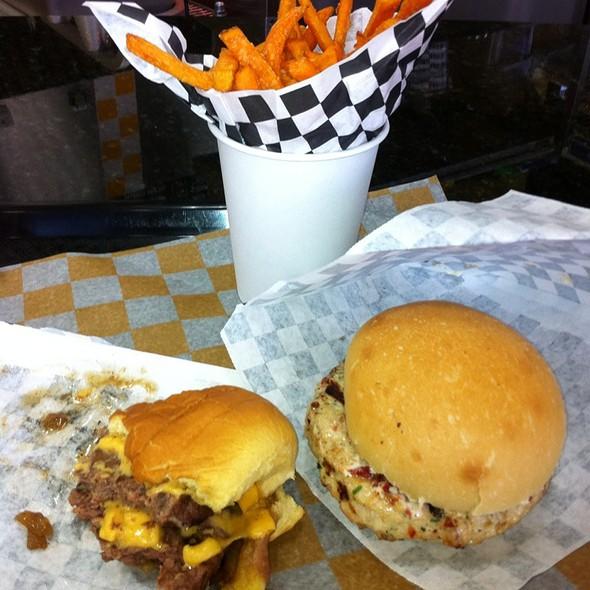 Chicken Burger @ Ernie Burger