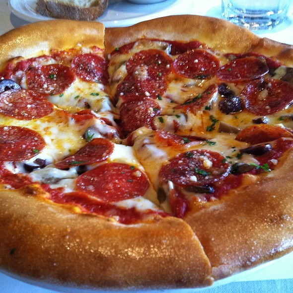 Pepperoni Pizza @ Zinfandel Grille