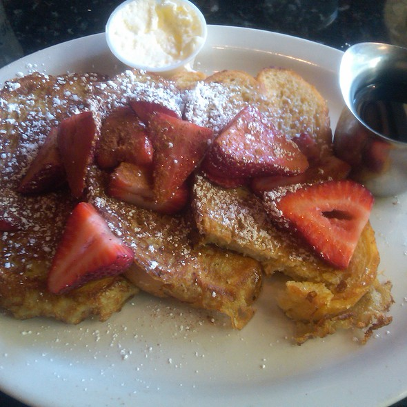 Strawberry French Toast @ Katy's Kreek