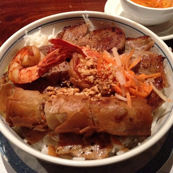 Vermicelli with BBQ Pork and Egg Rollls
