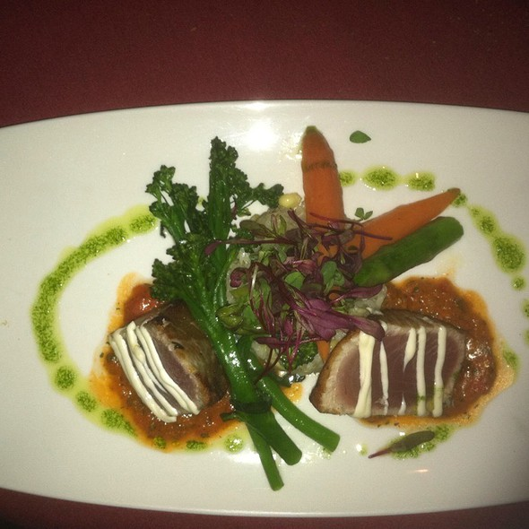 Ahi tuna @ Westward Look Resort