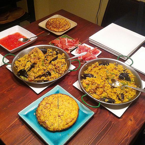 Spanish Feast @ Giddy Gastronaut Kitchen