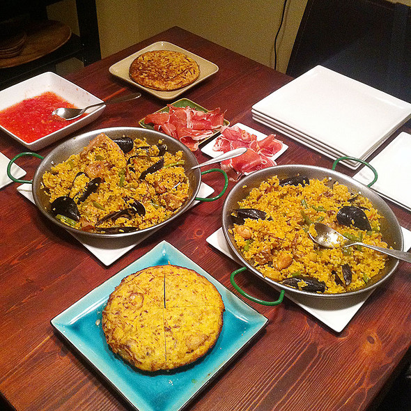Spanish Feast @ Giddy Gastronaut Kitchen