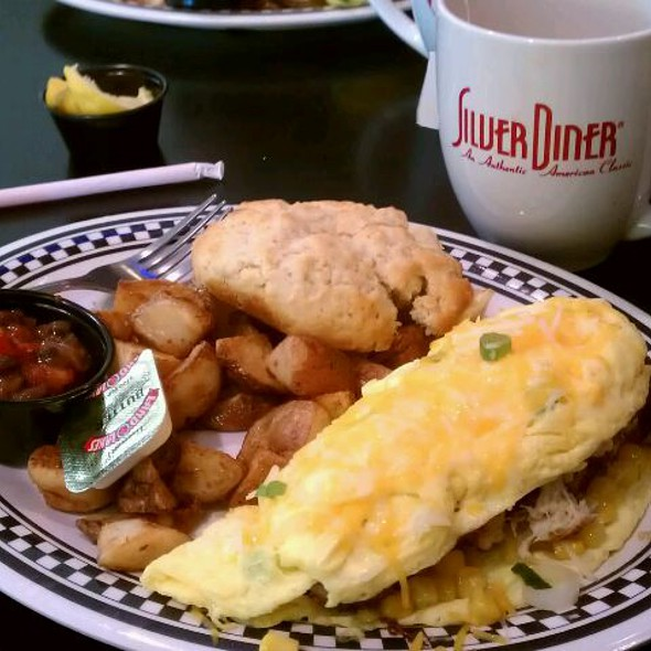 Crab Cake Omelette @ The Silver Diner (BWI 'B' Concorse)