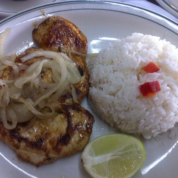 Pollo A La Brasa @ La Carreta Restaurant