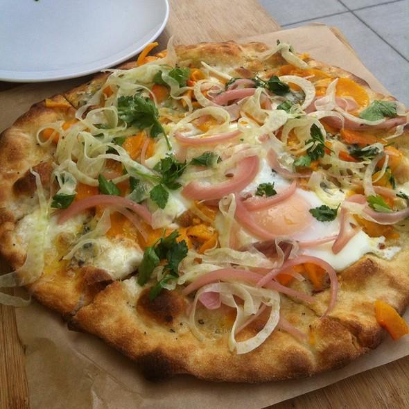 Rosmarino Pizza @ Piccino