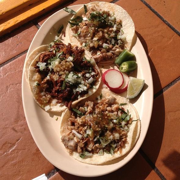 Tacos @ Taqueria La Bamba