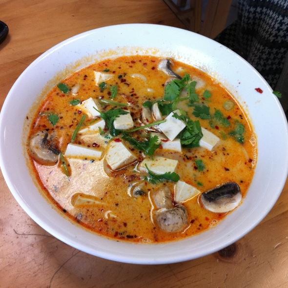 Thom Ka Udon @ Wat Dong Moon Lek Noodle