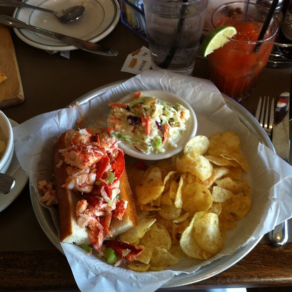 Lobster Roll (Sandwich) @ Sam's Chowder House