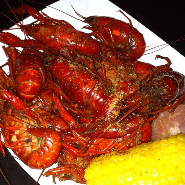Fresh Crawfish Boil @ The Dubliner