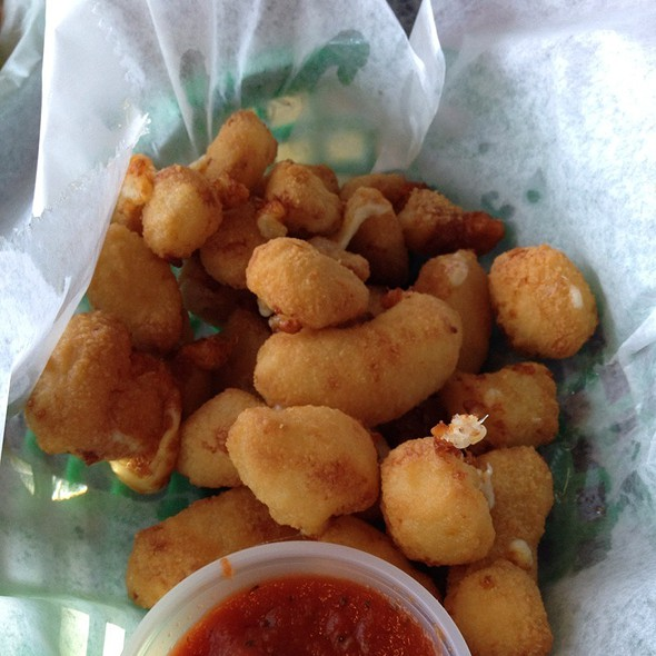 White Cheddar Cheese Curds @ Roo Bar