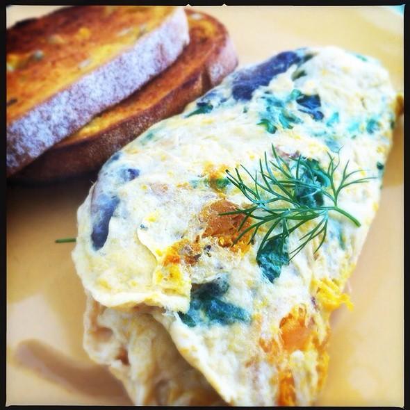 Vintage Omelette With Roasted Pumpkin, Basil, Feta, Mushrooms, Leaves And Pumpkin Toast @ Vintage Espresso