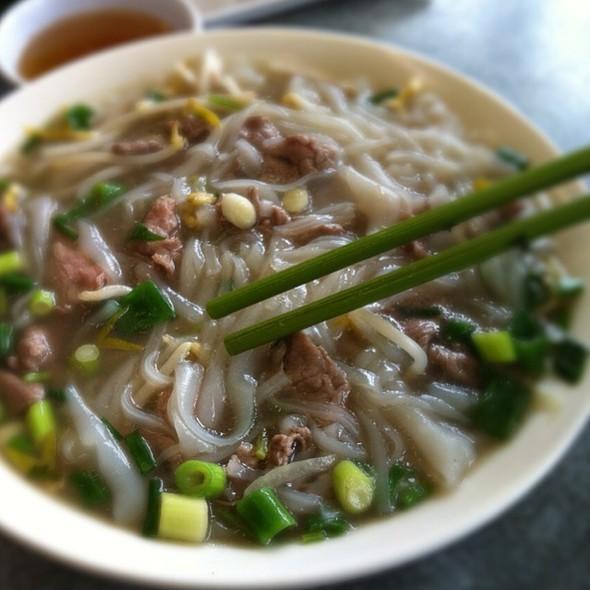 Vietnamese Beef Pho Noodles