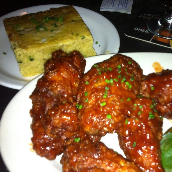Crispy Chicken Wings @ The Sidecar Bar & Grille