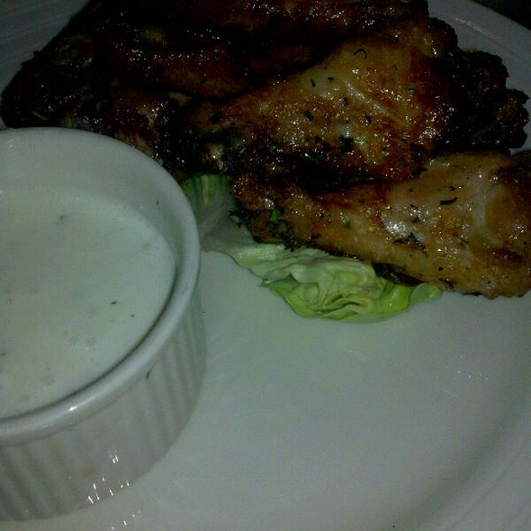 Chicken Wings Confit @ Boxcar Tavern