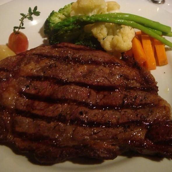 """""""Super"""" Prime Rib Eye @ Elbert'S Steak Room"""