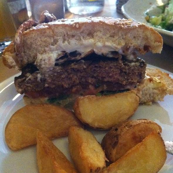 Burger Yogie B