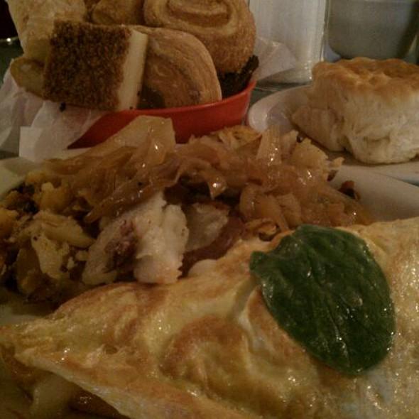 Spinach Omelet @ Lenny's Restaurant