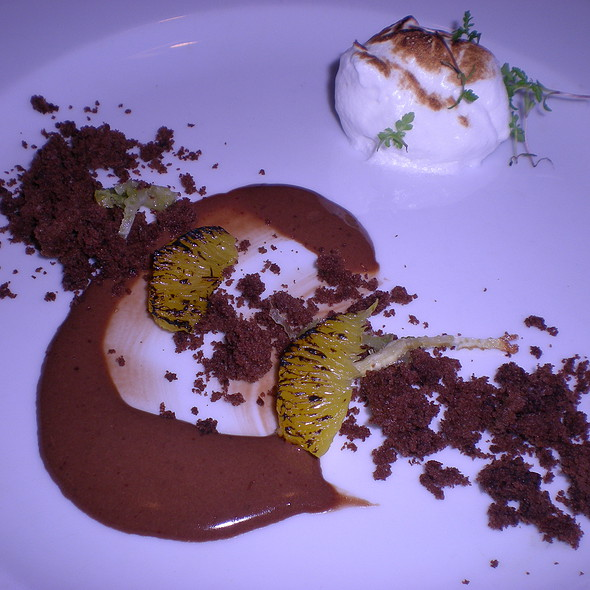 Chocolate Crumbles: candied fennel, fennel infused meringue, tangerine greens, charred orange supremes @ Mexique