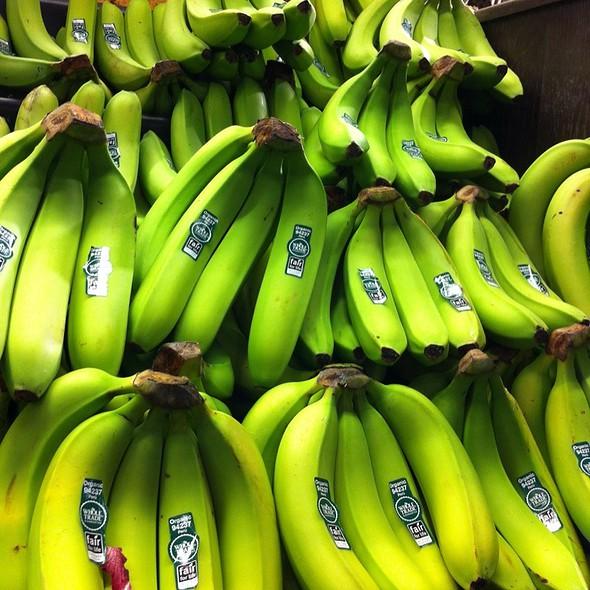 Bananas @ Whole Foods Market - Green Hills