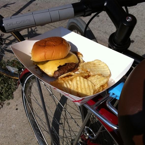 Cheeseburger @ That Burger Tent