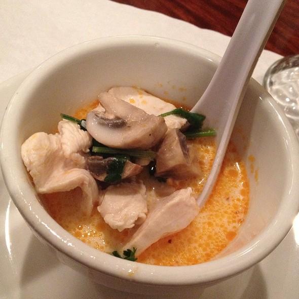 Tom Kah Kai @ Lotus of Siam