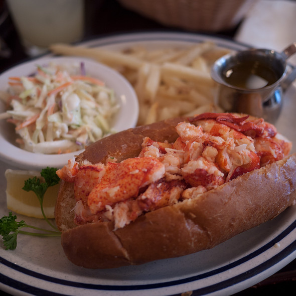 Lobster Roll (Sandwich) - Billy's Boston Chowder House, Los Gatos, CA