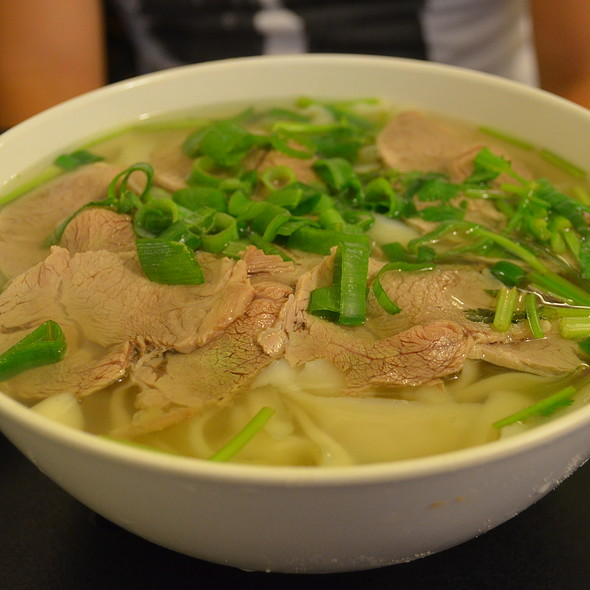 Beef with Knife Sliced Noodles in Soup @ Chinese Noodle House