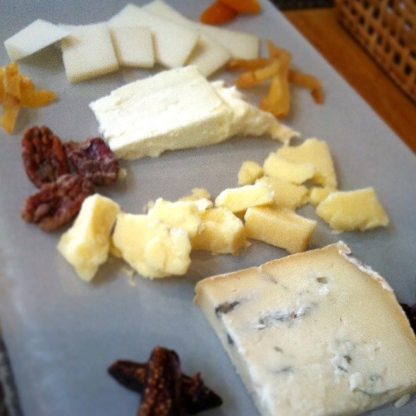 4 Cheese Plate