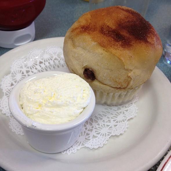 Pot Of Cinnamon Raisin Bread @ Jamms Restaurant II LLC