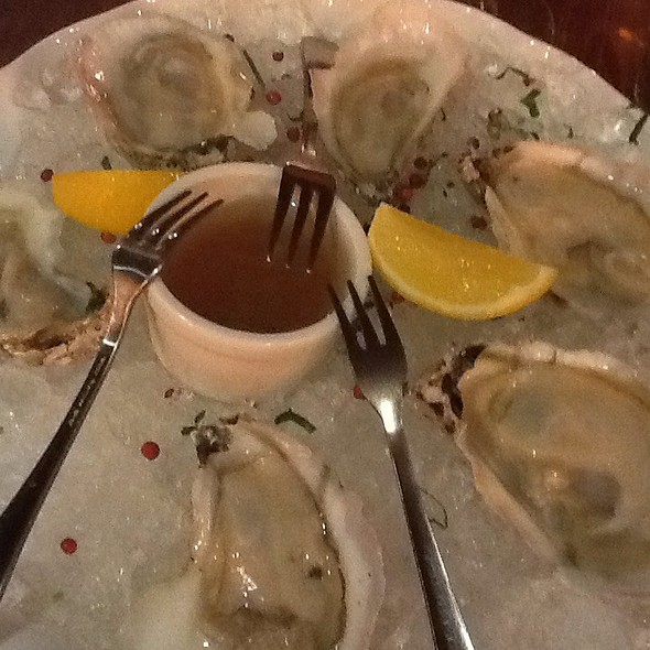 Market Fresh Oysters @ Onieal's Grand Street