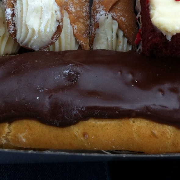 eclair @ Rockland Bakery