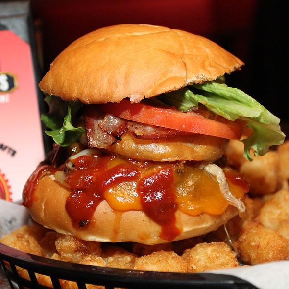 Hog Wild Hamburger @ Oblivion Taproom