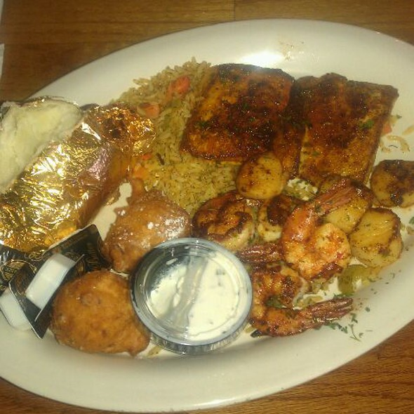 Captains Platter @ Friendly Fisherman Restaurant