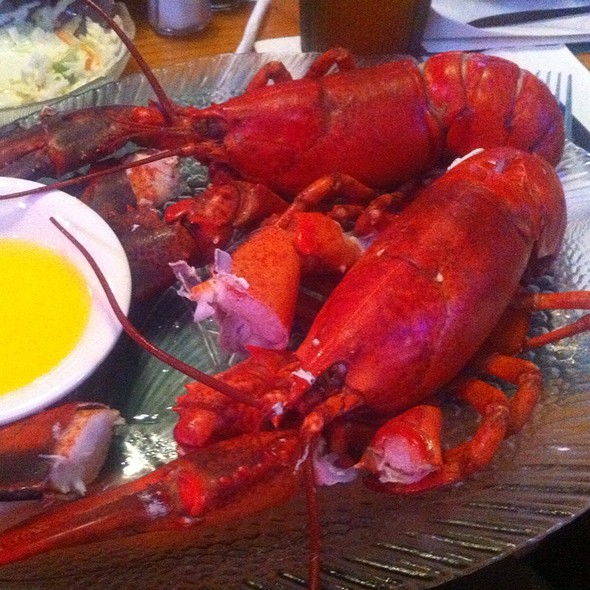 Whole Maine Lobster @ Kelly's Landing