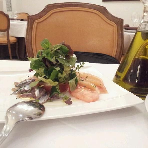 Anchovies And Tomato Salad @ Goizeko Kabi