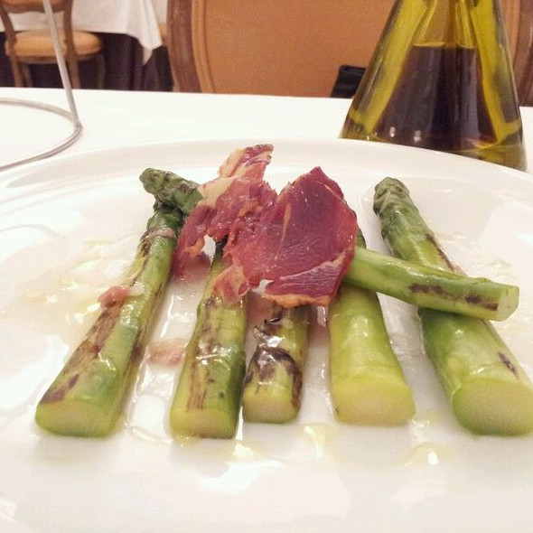 Crunchy Ham And Asparagus @ Goizeko Kabi