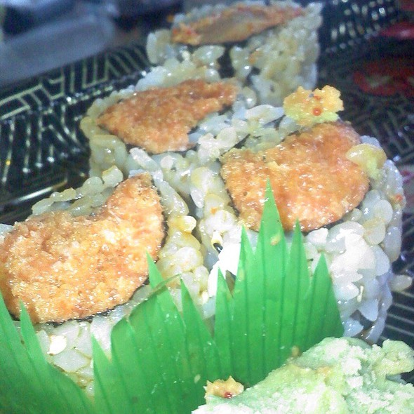 Spicy Tuna Roll And Spicy Crab Roll  @ Isamu