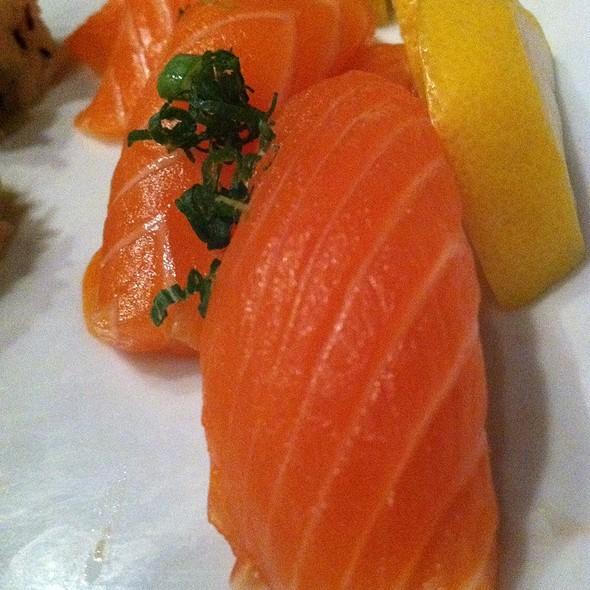 Salmon sushi - Kabuki Japanese Restaurant - Old Pasadena, Pasadena, CA