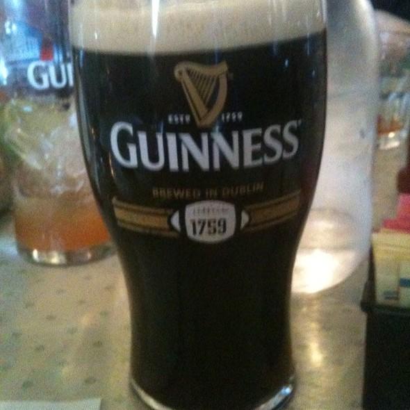Guinness @ McNamara's