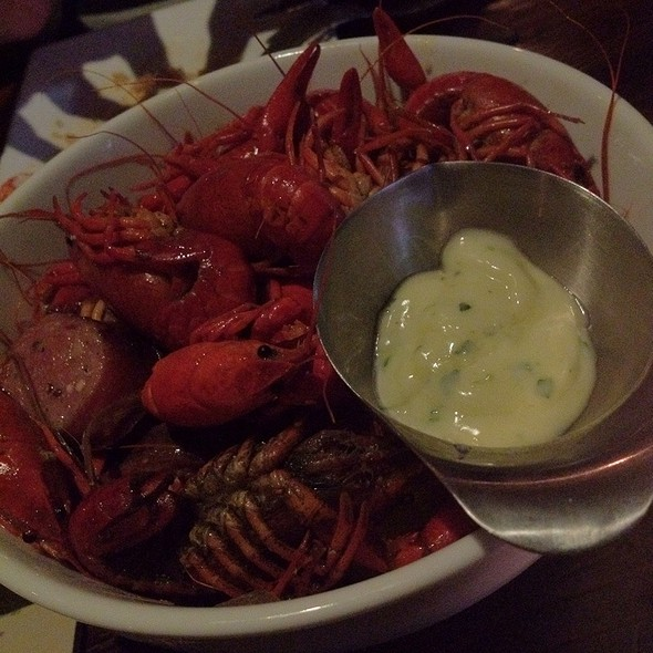 Crawfish Boil - Wood & Vine, Hollywood, CA