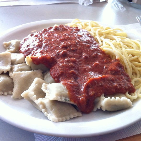 1/2 Spaghetti, 1/2 Ravioli With Meat Sauce @ Little Henry Italian Restaurant