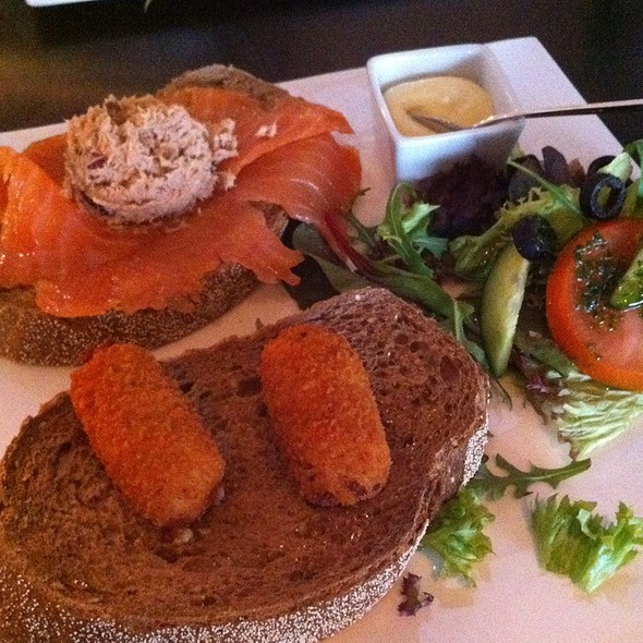 Smoked Salmon Sandwich @ Absolute Taste