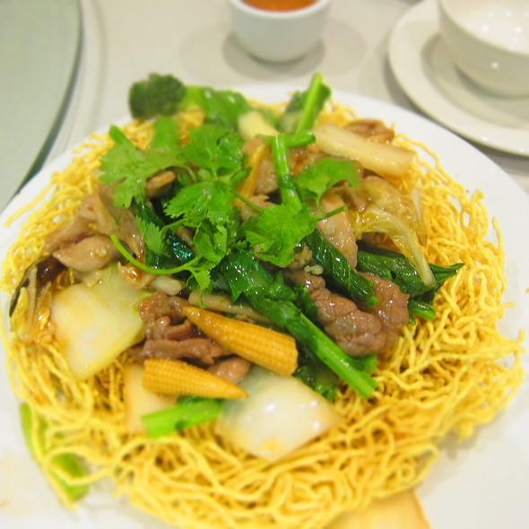 Combination Crispy Egg Noodle - Mi Xao Thap Cam  @ Bau Truong Restaurant